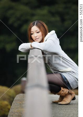 女人20多岁 女性-图库照片