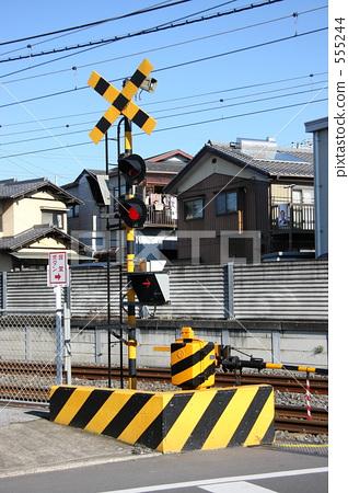 架空平�_图库照片: 铁路道口 平交路口 架空电缆