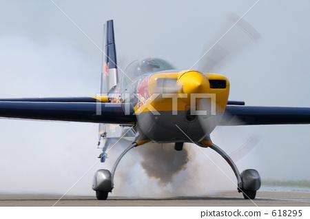 飞机 脱下 起飞-图库照片