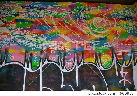 照片素材(图片): 壁画 涂鸦 著了色的