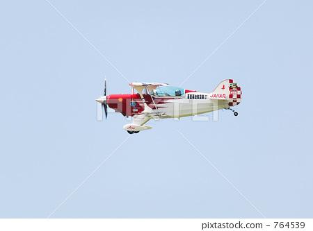 飞机 双翼飞机 空中特技
