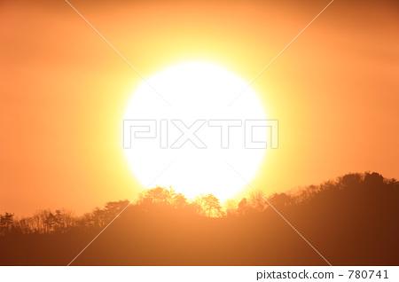 陽光明媚 日出 太陽