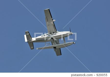 螺旋桨飞机 水上飞机 支柱飞机-图库照片 [920055]