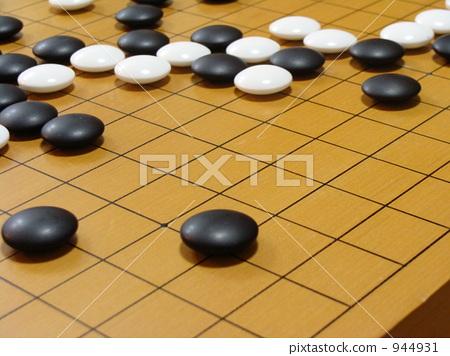 照片 背景_小物 风格 黑白 围棋盘 围棋子 白色石头  pixta限定素材