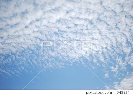 照片素材(图片): 积云 卷积云 秋天的天空