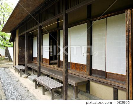 长凳 游廊 日式房屋