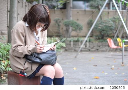 学生 高中女生 学习-图库照片