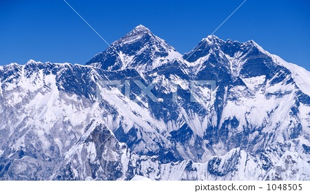 风景_自然 山 雪山 尼泊尔 喜马拉雅山 珠穆朗玛峰  *pixta限定素材仅