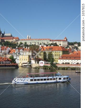 布拉格城堡简笔画