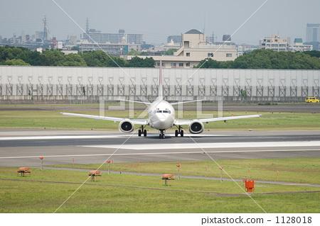 飞机 伊丹机场 跑道