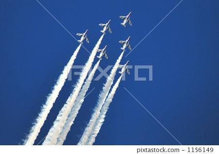 玩耍 纸飞机 蓝色冲击波 飞机 蒸气足迹  *pixta限定素材仅在pixta