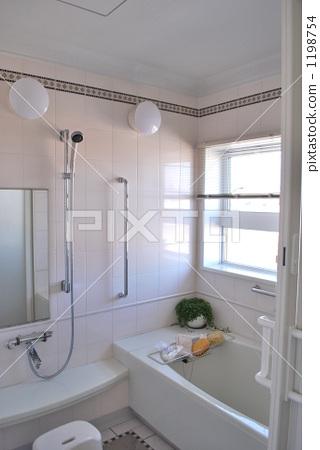 生活方式_生活 育儿_育儿 洗澡 洗澡 浴室 卫生间  *pixta限定素材仅
