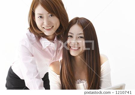 女人 女人 女性 开怀笑  图库照片#1210741 授权信息此素材有模特摄影