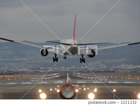 照亮 飞机 跑道