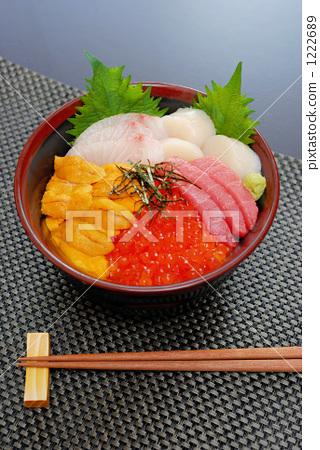 生猛海鲜 海鲜大餐 碗