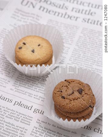 照片素材(图片): 饼乾 西式甜点 巧克力片图片