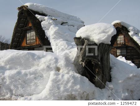 积雪屋顶 手绘素材