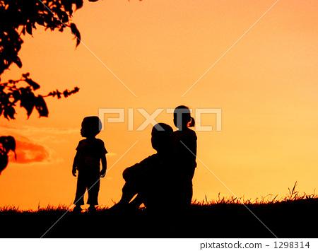 夕阳 首页 照片 天空 日落 日落 阴影图 日落 夕阳  *pixta限定素材仅