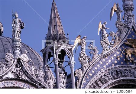 站立塑像 站立雕像 圣马可大教堂