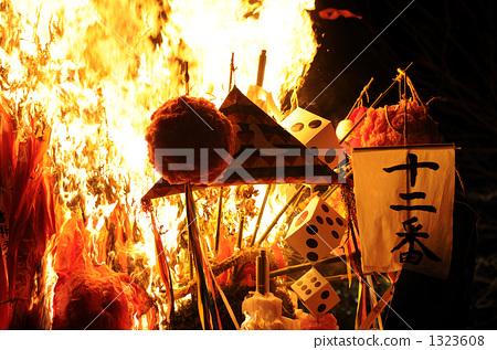 照片 质地 火焰 左翼节日  pixta限定素材      左翼节日[1323608]