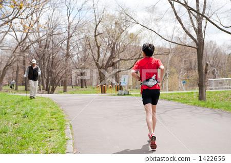 照片素材(图片): 奔跑 慢跑 20-30