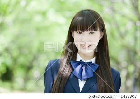首页 照片 人物 学生 小学生 高中生 高中女生 人物  *pixta限定素材