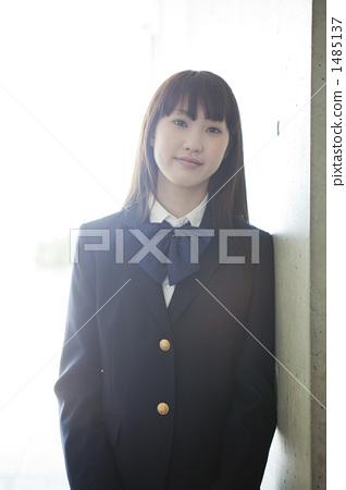 首页 照片 人物 学生 小学生 高中生 人物 高中女生  *pixta限定素材