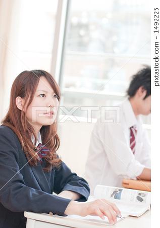首页 照片 人物 女性 女孩 学习 高中生 补习班  *pixta限定素材仅在