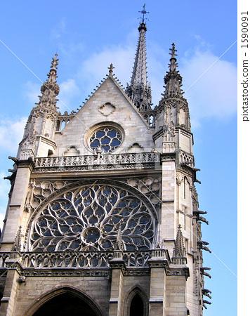 照片: 彩色玻璃 圣礼拜堂 圆花窗