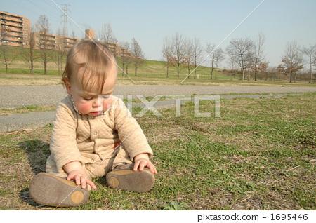 放大 收藏夹 下载水印图 同一模特 相似 照片 关键词 小孩, 动物宝宝