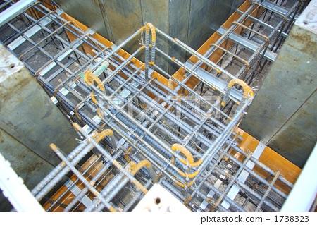 电路施工场景图片