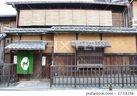 木屋 传统建筑