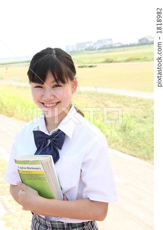 首页 照片 人物 学生 高中生 高中生 人 高中女生  *pixta限定素材仅