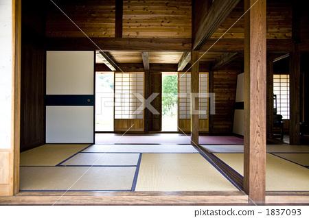 日式房屋 废弃的房屋 老房子