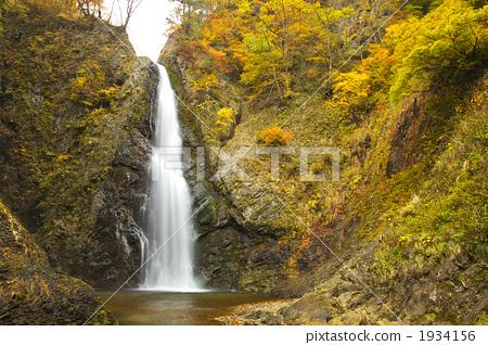图库照片: 暗门瀑布 枫树 枫叶