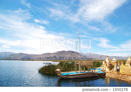 图库照片: 浮岛 提提喀喀湖 的的喀喀湖