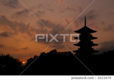 五重塔 夕阳 庙宇