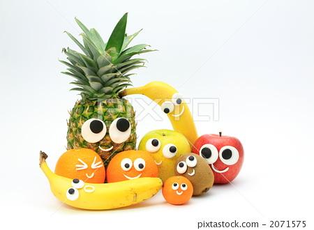 照片素材(图片): 菠萝 凤梨 室内