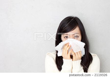 女人 女性 擤鼻涕