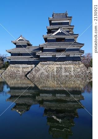 照片素材(图片): 城堡塔楼 天守阁 城堡