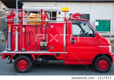 照片素材(图片): 救火车 消防车 特种车辆