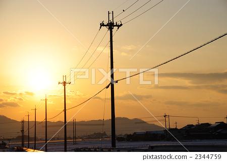 图库照片: 与电线杆的风景