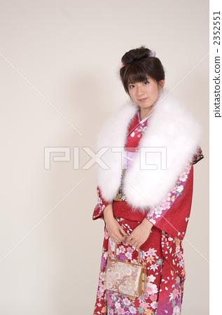 照片 流行 和服 和服 日式服装 穿着和服 长袖和服  *pixta限定素材仅