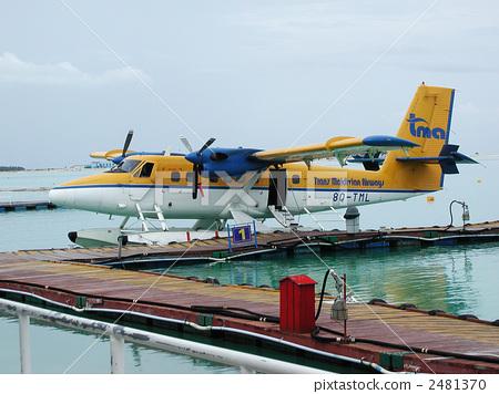 螺旋桨飞机 水上飞机 支柱飞机-图库照片 [2481370]