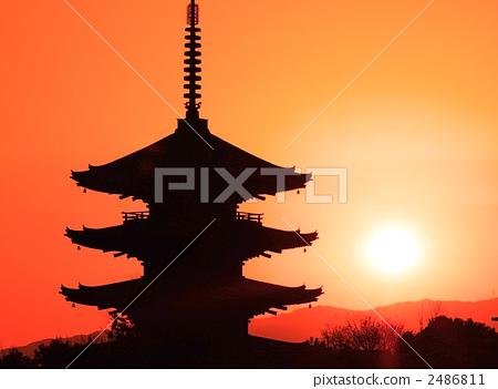 八层宝塔 五重塔 夕阳