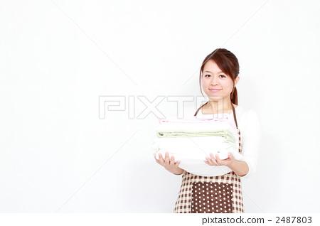 首页 照片 人物 女性 主妇 洗衣店 主妇 家庭主妇  *pixta限定素材仅