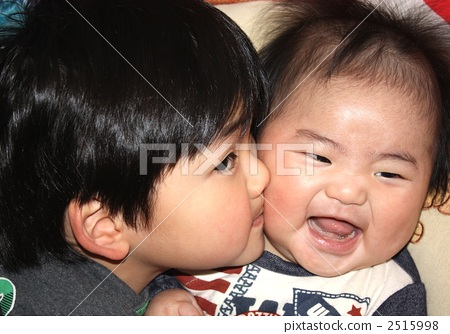 兄弟, 亲吻, 儿童, 孩子, 双人, 两个人, 笑容, 微笑, 开怀笑, 可爱