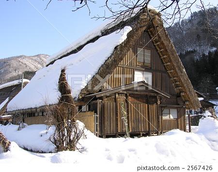 人字形木屋顶