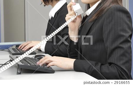 白领丽人 白领丽人 文书工作 电脑工作  授权信息此素材有模特摄影
