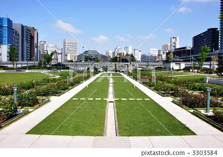 中之岛公约 大阪 玫瑰园